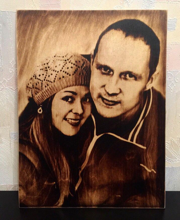выжигание портретов по дереву на заказ в Омске
